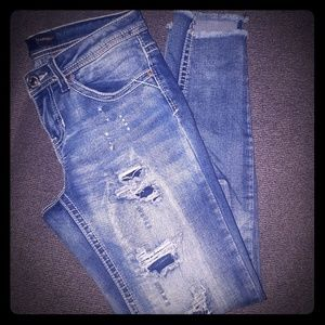 ALMOST FAMOUS SKINNY JEANS SIZE 0